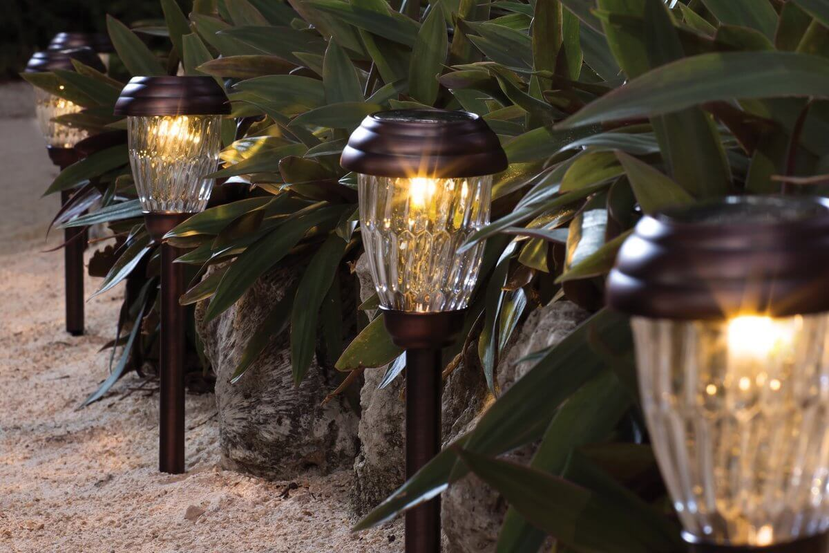 Top 3 Solar Landscape Lights to Try